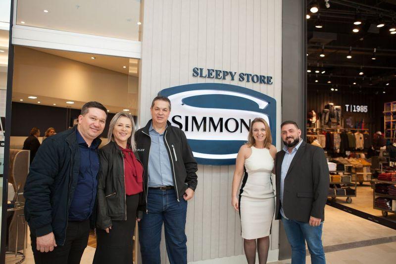 tnlanamento-sleepy-store-com-arquitetos48143801262o