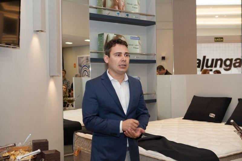 tnlanamento-sleepy-store-com-arquitetos48143807457o