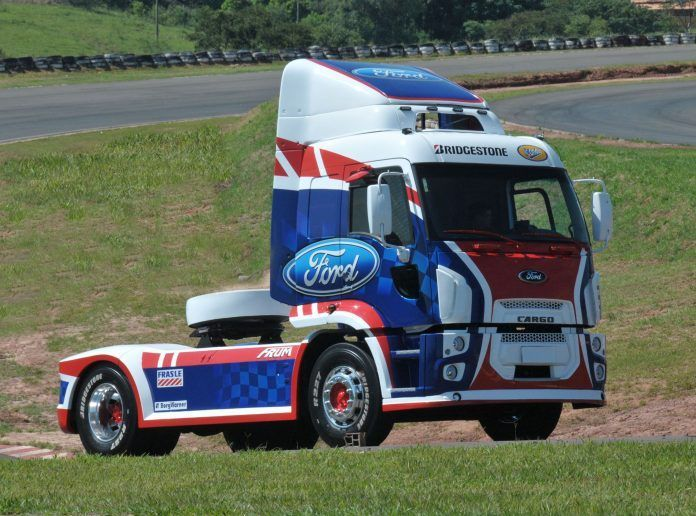 copa-truck-FordCargo-PaceTruck-002-696x516