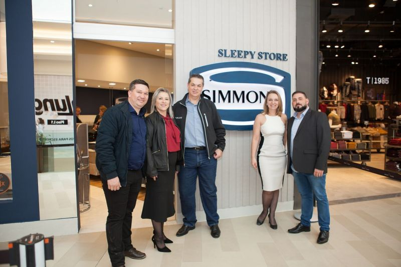 tnlanamento-sleepy-store-com-arquitetos48143801107o